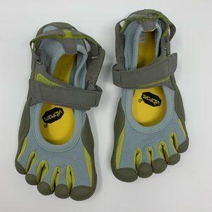 Women's Vibram Shoes (5.5/W35)
